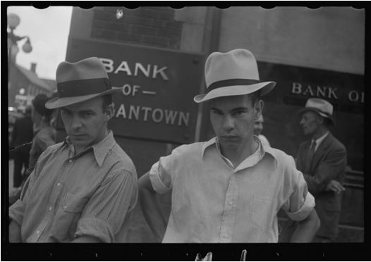 walker-evans-main-street-morgantown-west-virginia-1935